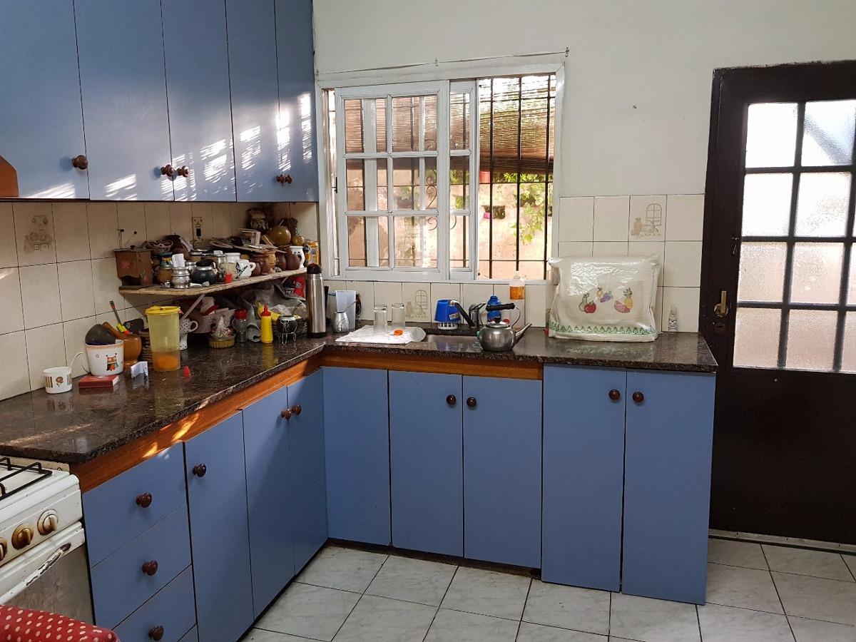 casa en venta en adrogue( nuevas condiciones de venta!)