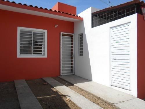 casa en venta en alfonso rolon michel, villa de álvarez