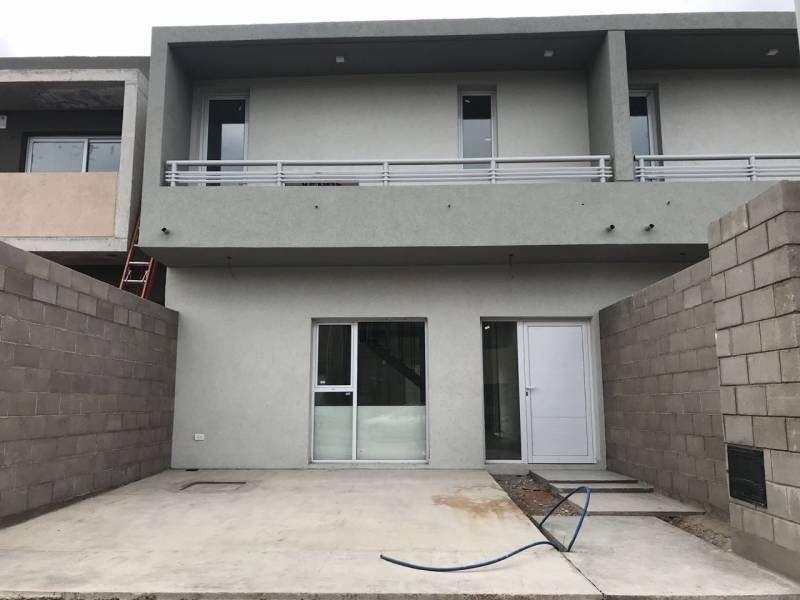 casa en venta en altos del limay