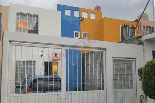 casa en venta en  avenida principal