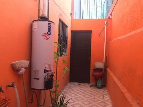 casa en venta en azteca norte por av.20 de noviembre y avenida de la paz (en privada)