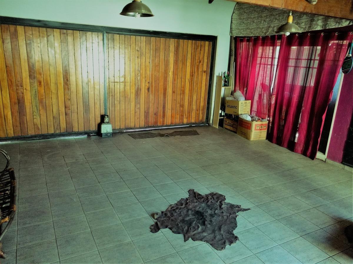 casa en venta en b° alejandro centeno amplia y luminosa!!!