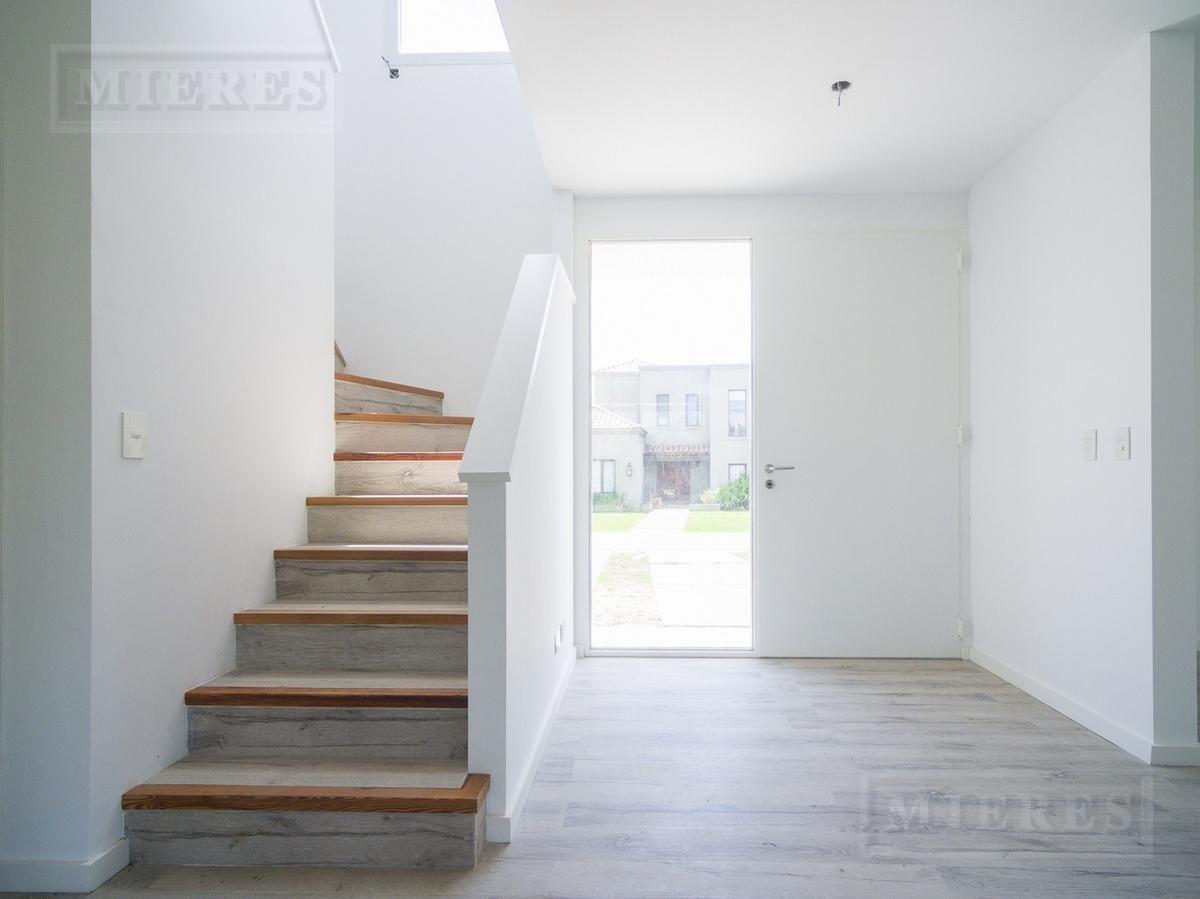 casa  en venta en barbarita (venta con renta)