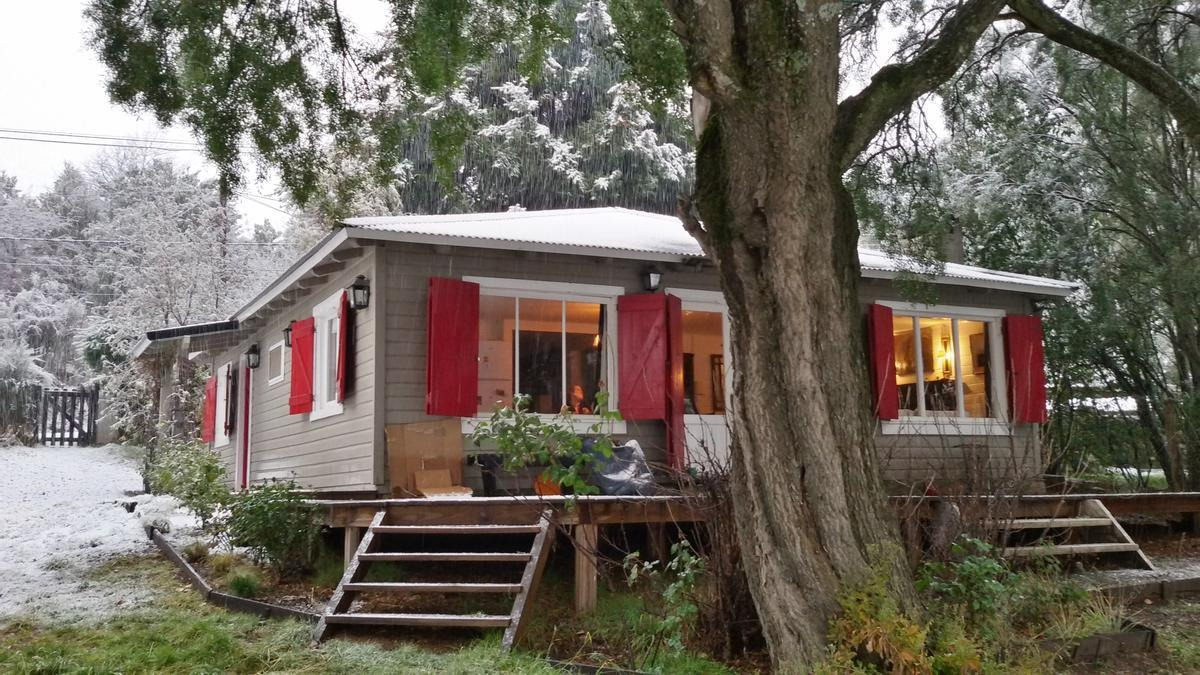 casa en venta en bariloche a 2 cuadras de bustillo en el km11