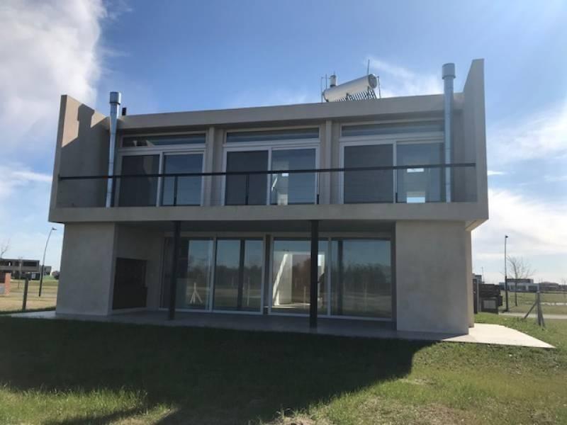 casa en venta en barrio acacias - maroto propiedades