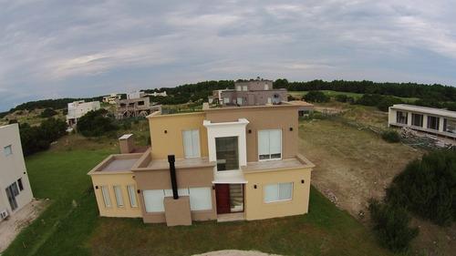 casa en venta  en barrio cerrado costa esmeralda