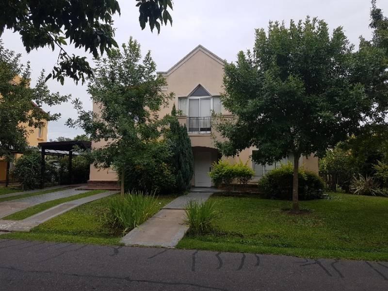 casa en venta en barrio cerrado talar del lago 1