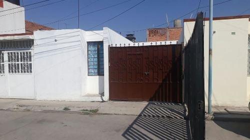 casa en venta en barrio de santiago