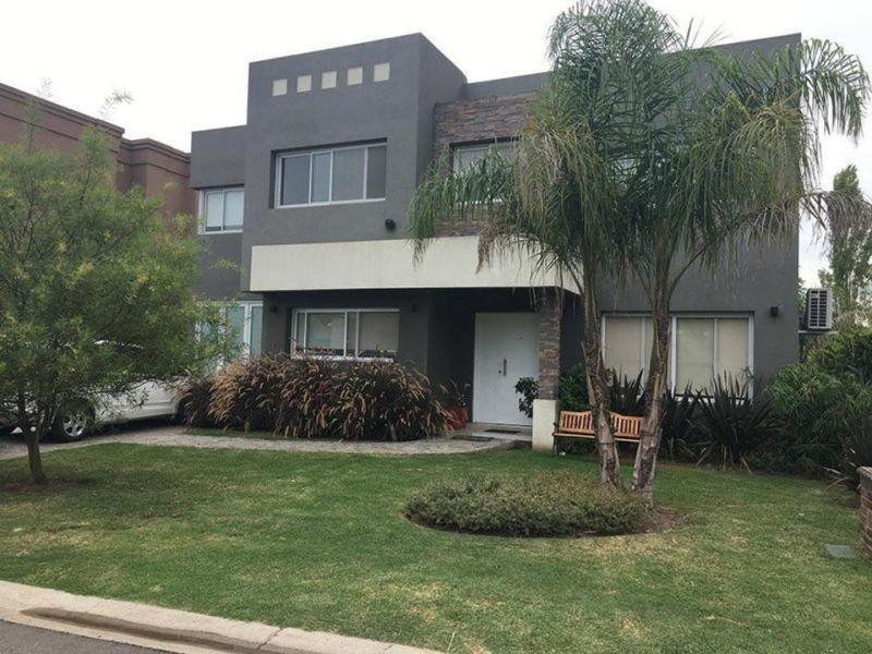casa en venta en barrio haras maría victoria