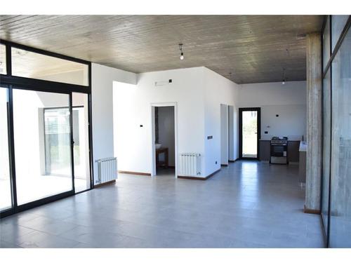 casa en venta en barrio la reserva de hudson 4 amb