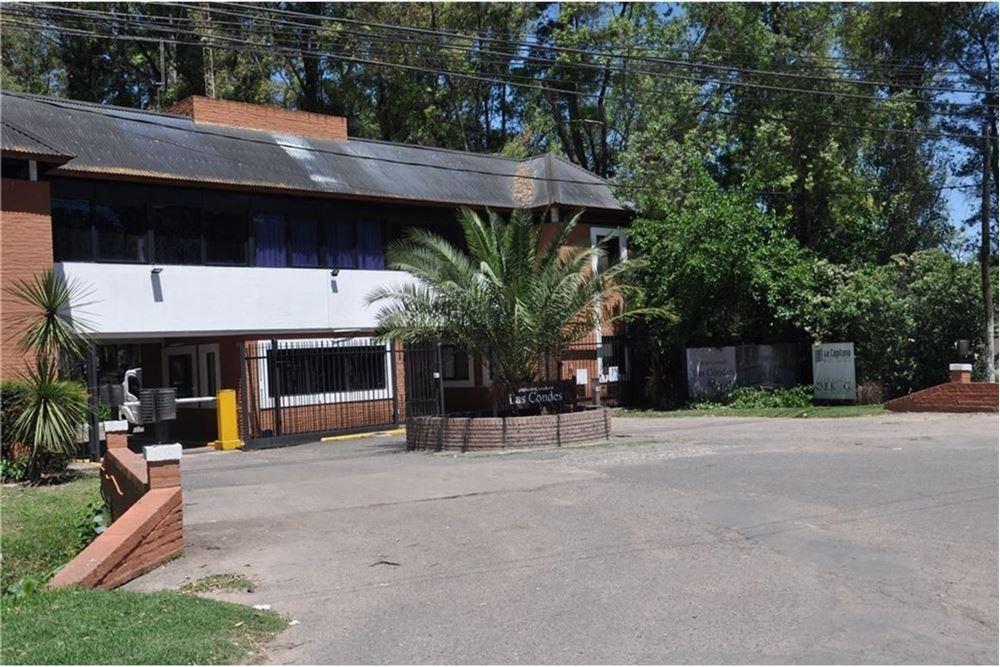 casa en venta en barrio  las condes  pilar
