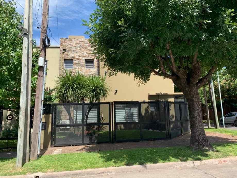 casa en venta en barrio parque