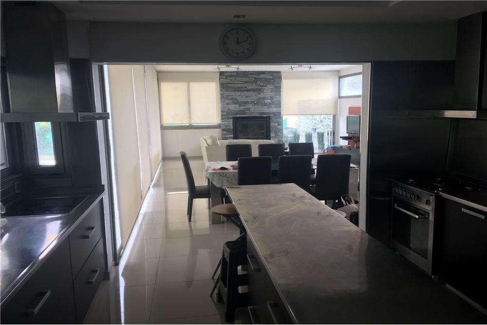 casa en venta en barrio privado monet 6 ambientes