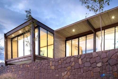 casa en venta en bosques del valle (moderna - frente a parqu