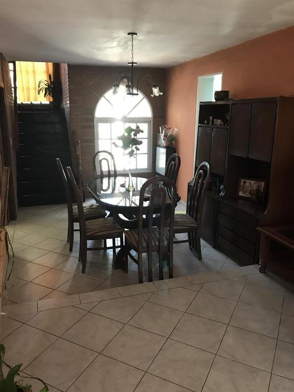 casa en venta en campana centro. 3 dormitorios. cochera