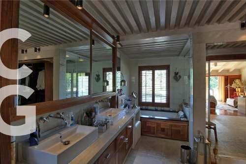 casa en venta en cancun en residencial campestre de lujo