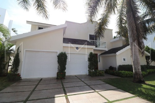 casa en venta en cancun lagos del sol, opotunidad!