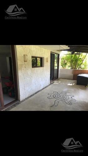 casa en venta en cancún zona hotelera / condominio bouganville / pok ta pok