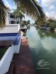casa en venta en cancun/zona hotelera/isla dorada