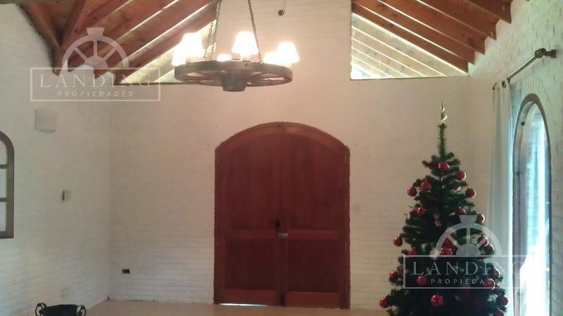 casa en venta en carilo :: pinamar