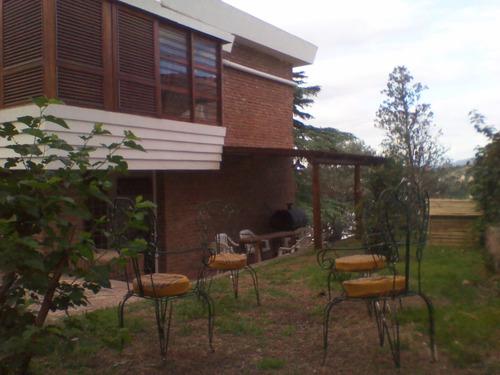 casa en venta en carlos paz con pileta, parque,