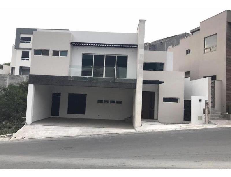 casa en venta en carolco 3 sector