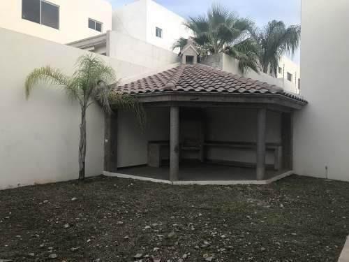 casa en venta en carretera nacional la joya monterrey n.l.