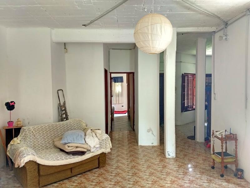 casa en venta en centro campana. 2 dormitorios. amplio parque. proyecto construcción 2do piso