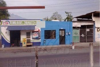 casa en venta en centro de santa catarina, sobre calle zarag