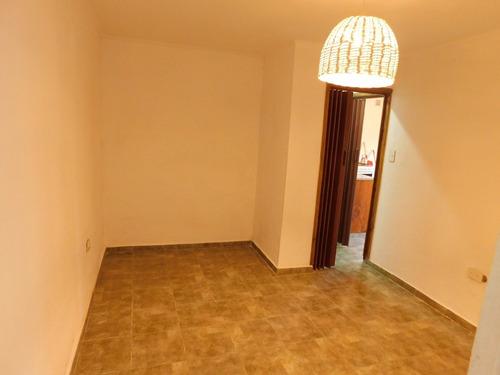 casa en venta en chascomus.-