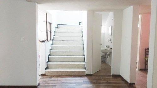 casa en venta en cimatario (uso de suelo comercial)