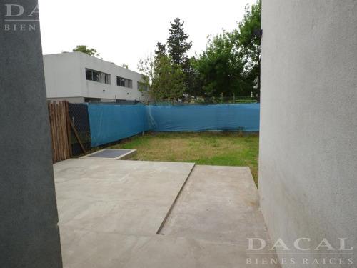 casa en venta en city bell 443  e 21 c y 21 dacal bienes raices