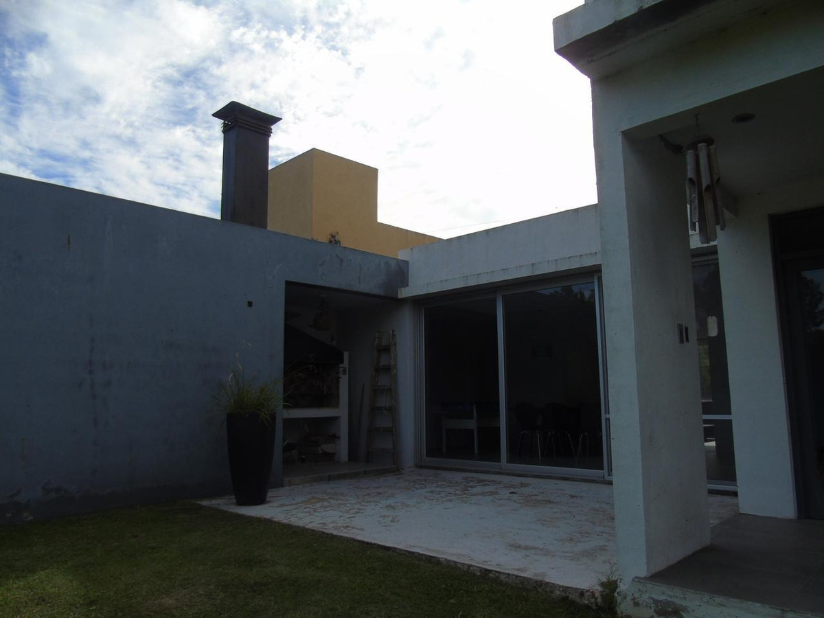 casa en venta en city bell 472 e/ 136 bis y 137 dacal bienes raices