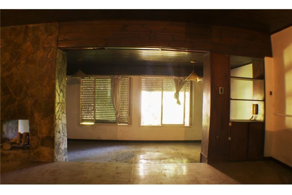 casa en venta en city bell a refaccionar