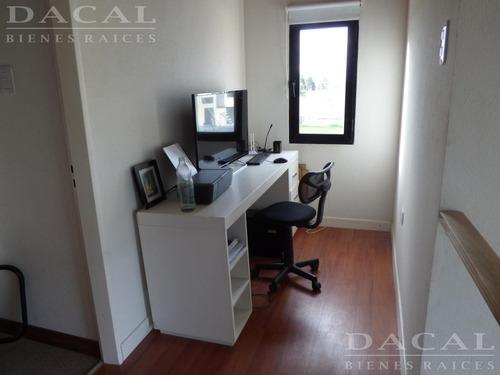 casa en venta en  city bell calle 132 bis esq. 476 dacal bienes raices