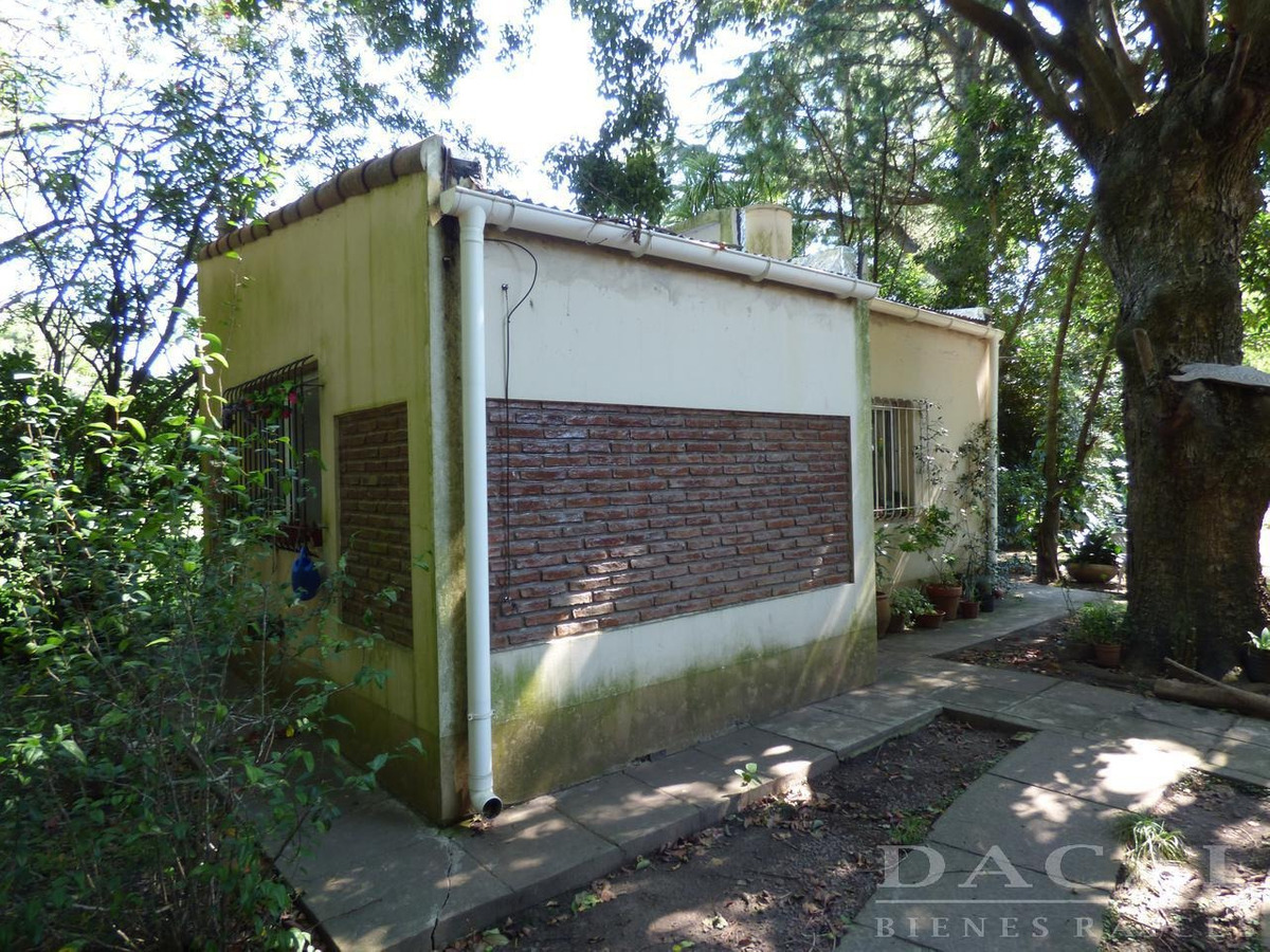 casa en venta en city bell calle 445 e/ belgrano y 21d dacal bienes raices