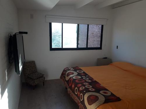 casa en venta en city bell, de 2/3 dormitorios