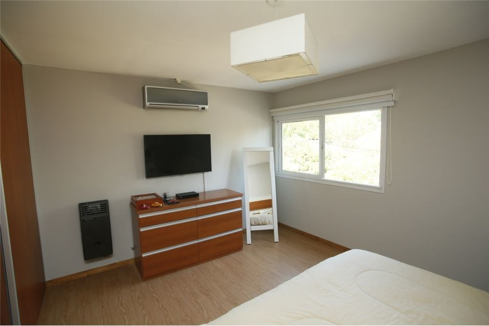 casa en venta en city bell de dos dormitorios