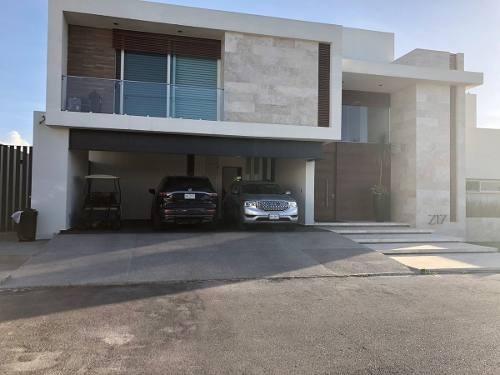 casa en venta en club de golf la loma
