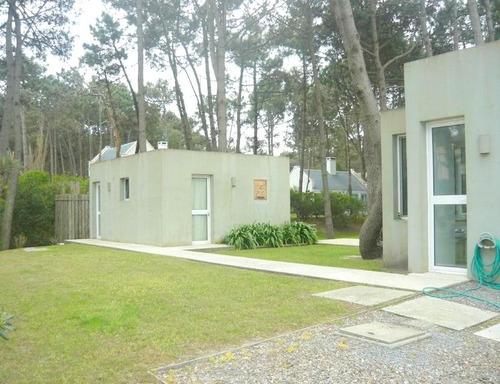casa en venta  en club laguna blanca