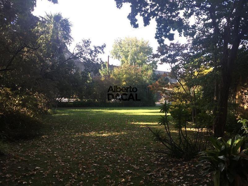 casa en venta en cno belgrano e/ 465 y 466 city bell - alberto dacal propiedades