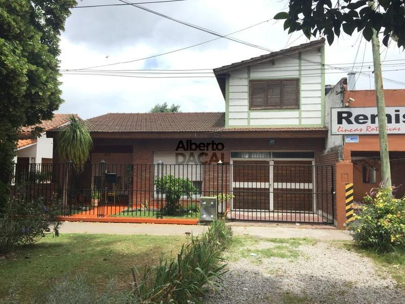 casa en venta en cno centenario e/ 461e y 461f city bell - alberto dacal propiedades