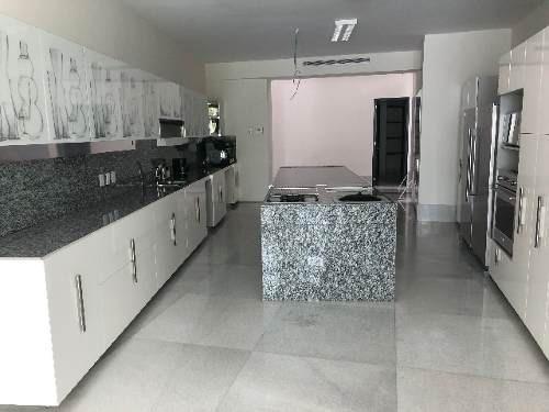 casa en venta en colinas de san javier guadalajara