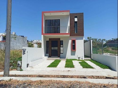 casa en venta en colonia carlos de la madrid