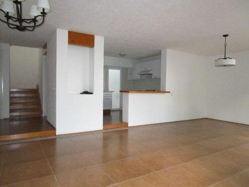 casa en venta en condominio en acapantzingo.