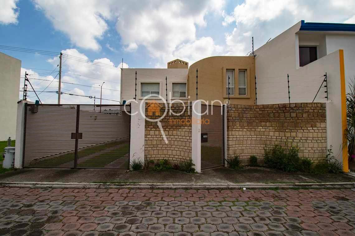 casa en venta en conjunto cerrado en momoxpan, cholula