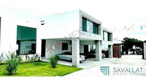 casa en venta en conjunto privado de  solo cinco casas en juriquilla, querétaro