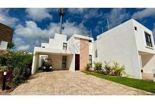 casa en venta en conkal con parque recreativo con areas verdes, mérida yucatán.