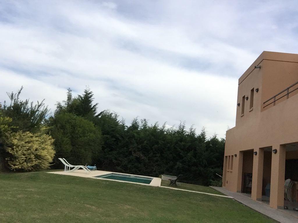 casa en venta en country arroyo dulce