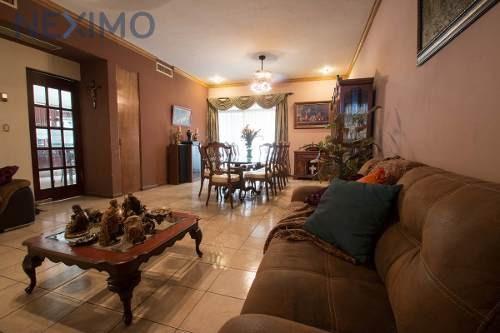 casa en venta en cumbres 4to sector nuevo leon